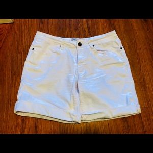 Max Jeans White Jean shorts size 6